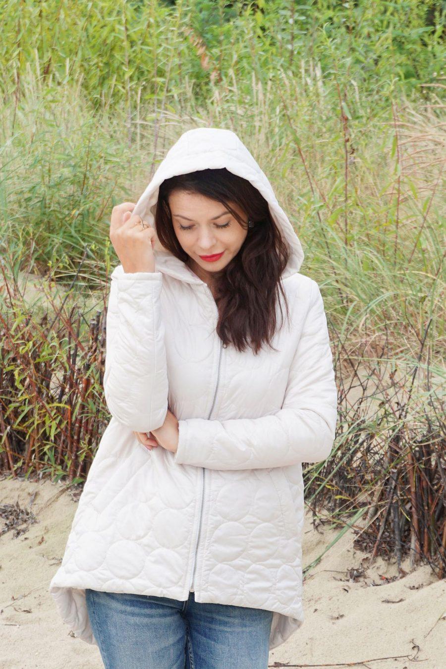 Kremowa pikowana kurtka