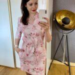 Różowa sukienka wiązana w pasie
