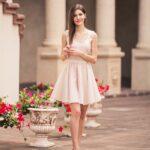 rozkloszowana sukienka Chloe Manif]iq