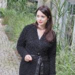 Czarny wiązany sweter