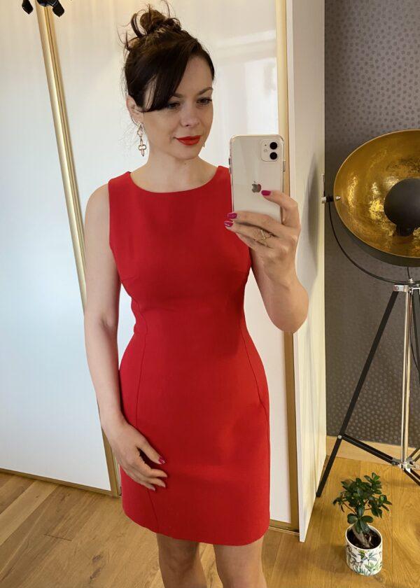 Czerwona ołówkowa sukienka