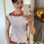 Bluzka w czerwone kwiaty